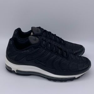 Nike Shoes - Nike Air Max 97